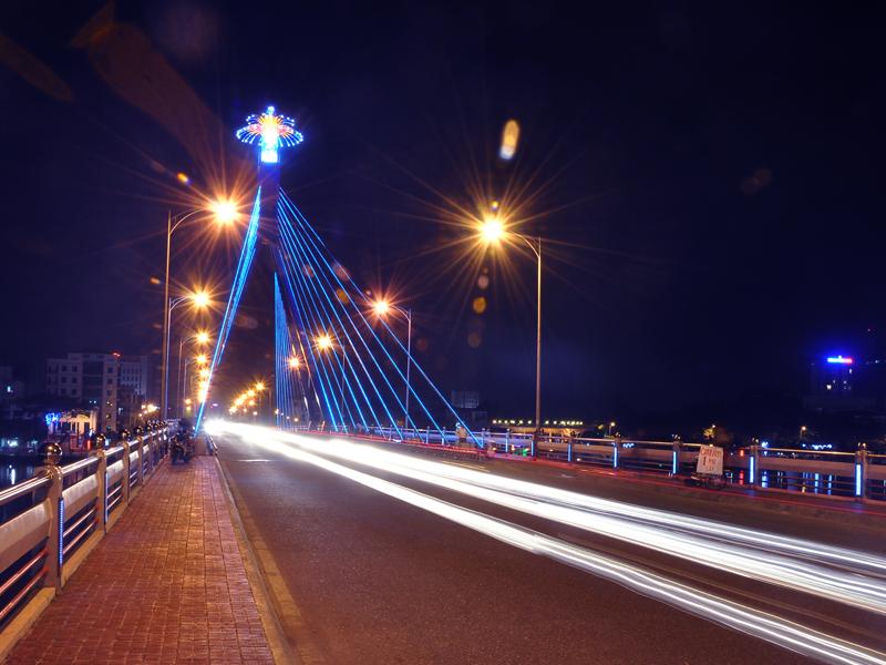 Những lý do nên dùng đèn đường ánh sáng vàng